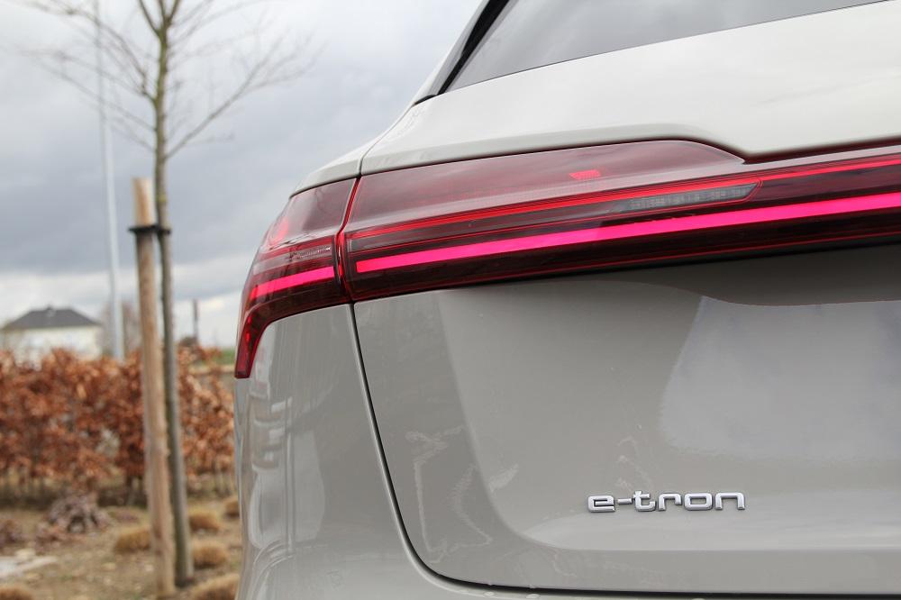 """Audi e-tron vs Jaguar I-Pace: duel tussen """"klassieke"""" elektrische SUV's"""