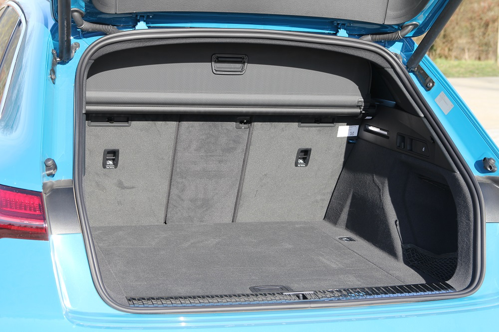 Audi e-tron vs Audi Q8: elektrisch of diesel?