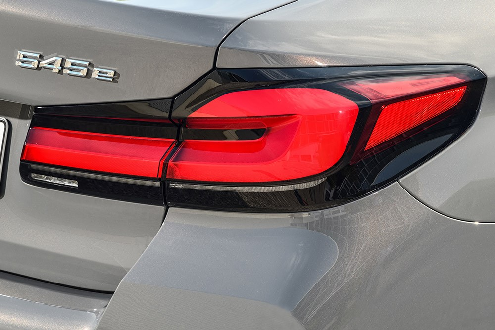Test: BMW 545e, dynamische hybride