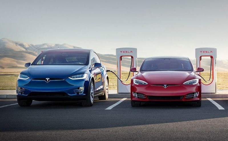Tesla opent aparte fabriek voor Superchargers