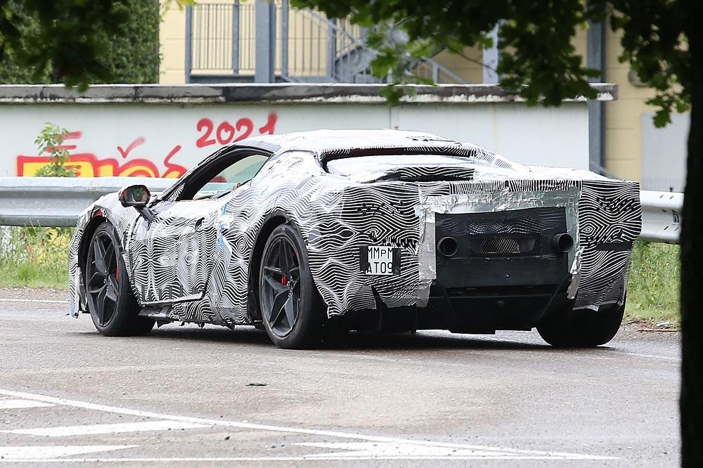 """Baby-Ferrari"" met 730 pk op komst?"