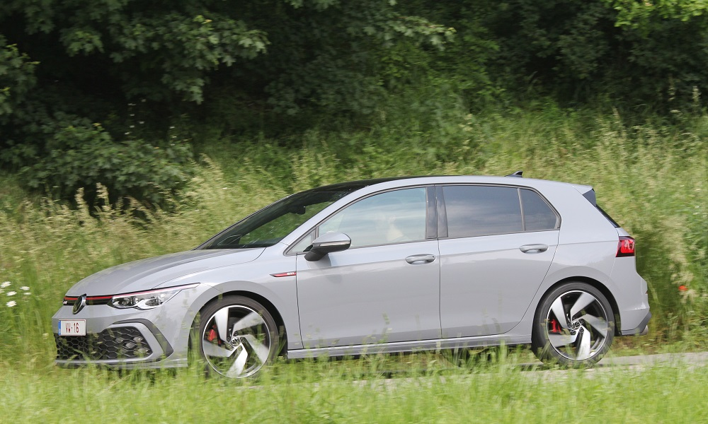 BMW 128ti vs VW Golf GTI: München opent het vuur op Wolfsburg