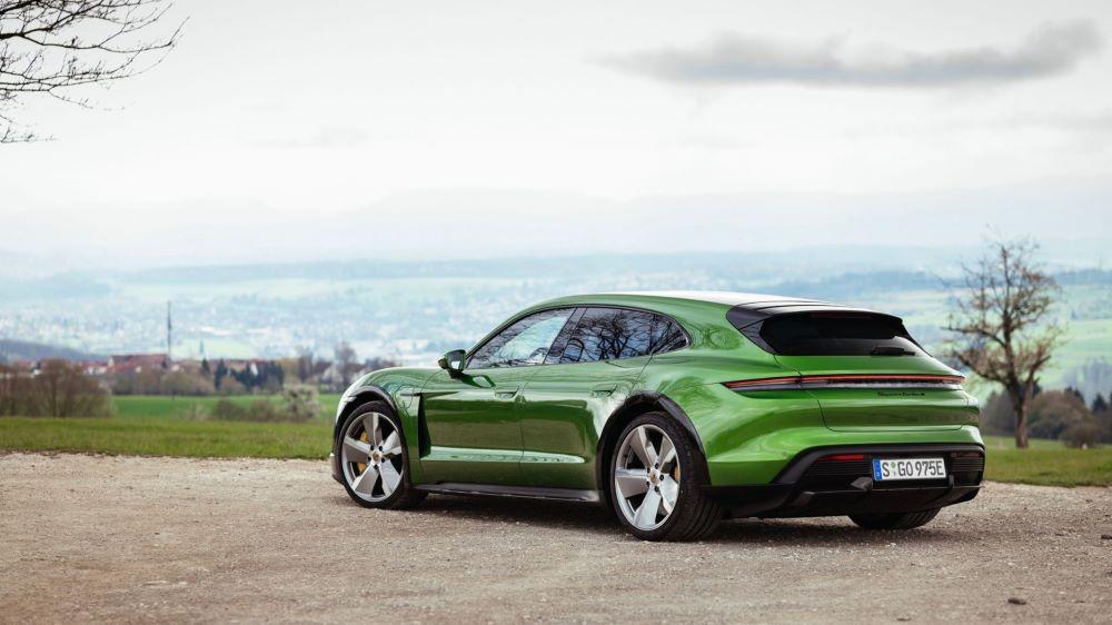 Porsche se porte bien... et vend autant de Taycan que de 911 !