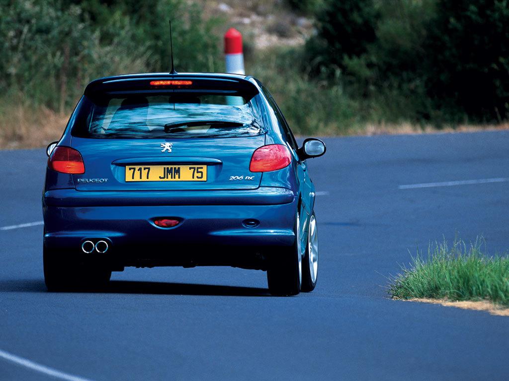 5 dingen die je moet weten voor je koopt: Peugeot 206 RC, GTI in afprijzing