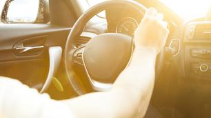 Te heet in de auto? Met deze 8 tips krijg je het weer koel