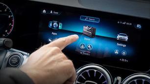 Zo poets je het aanraakscherm in je auto