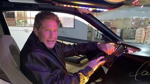David Hasselhoff verkoopt de authentieke KITT uit Knight Rider