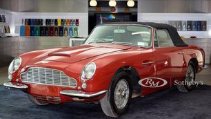 Voor 400.000 euro is deze Aston Martin een koopje, maar puristen halen er hun neus voor op