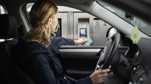 Elektrische laadbeurten binnenkort te betalen met gewone bankkaart?