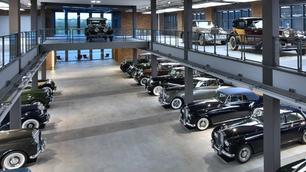 Privécollectie met 25 Bentleys en Rolls-Royces te koop