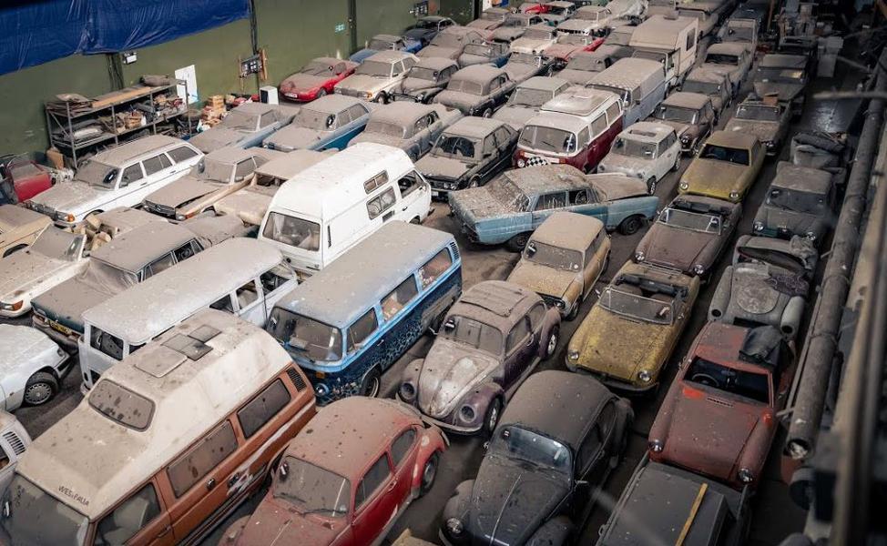 Une incroyable quantité de voitures sorties de grange à vendre !