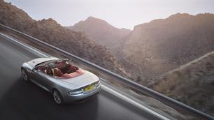 Aston Martin DB9 : Nivellement par le haut !