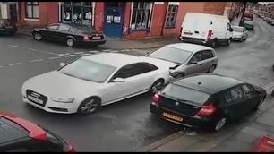 Vidéo - Crash d'une Honda Civic pleine à craquer !