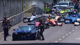 Video: het moment waarop de grote baas de pace-car crasht