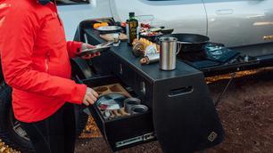 Straf: ingebouwde keuken in elektrische pick-up