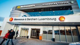 Binnenkort gedaan met goedkoop tanken in Luxemburg?