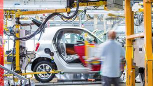 De Daimler-groep zet zijn Franse Fabriek te koop