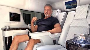 Video: Sylvester Stallone verkoopt zijn luxueuze Cadillac Escalade