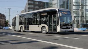 In deze elektrische Mercedes-bus zit een revolutionaire batterij