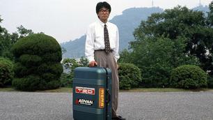 """Video: 30 jaar geleden bedacht Mazda deze """"kofferauto"""""""