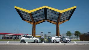 Een EV-lader in elk Frans snelwegtankstation tegen 2023