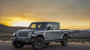 Les Jeep Gladiator et Wrangler sont équipés de pare-brises indestructibles !
