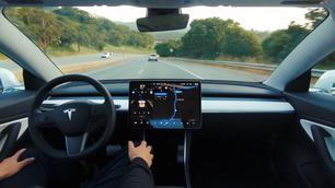 Amerikaanse overheid onderzoekt Tesla's Autopilot