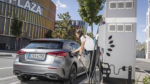 Mercedes trekt stekker uit plug-inhybrides