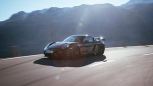 Porsche 718 Cayman GT4 RS : radicale au carré