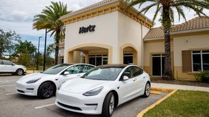 Hertz bestelt gigantisch aantal Tesla's