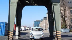 Trabi-trottend door Berlijn