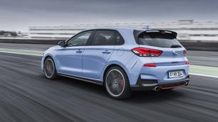 Hyundai i30 N: de pijlen op de Golf GTI gericht