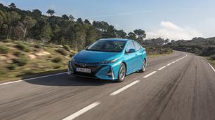 Essai: Toyota Prius plug-in, l'hybride branché, par essence