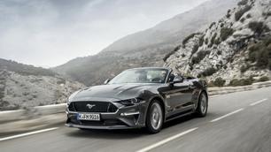 Rijtest: Ford Mustang V8 Convertible, dakloze decibels