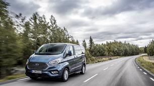 Getest: Ford Tourneo Custom PHEV, stroomstoot… op loodvrij