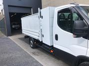 35S18 chassis cabine voorzien met kipper + koffer + verhoging rondom geperforeerd